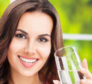 acqua come cura per cellulite e pelle