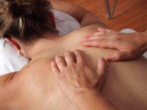 Combattere i mal di testa ricorrenti con la fisioterapia? Oggi si può.
