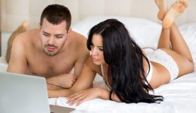 Guardare film porno insieme